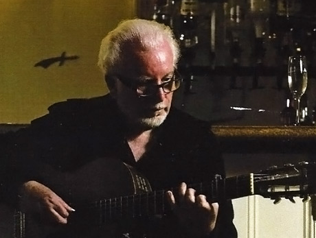 Dave Richards performing his song 'Dengke Road'